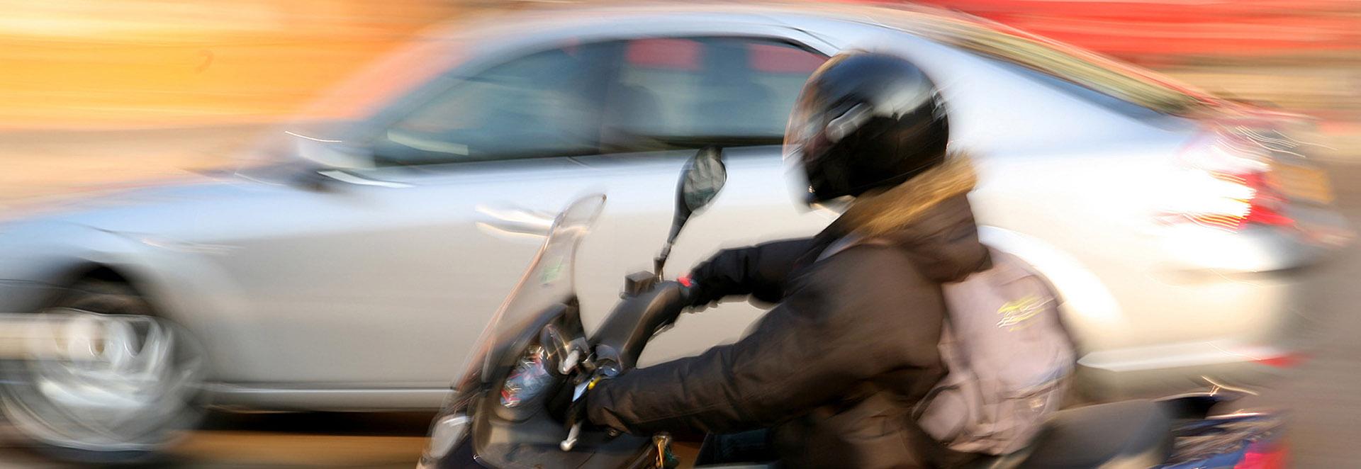 auto vs motorrad